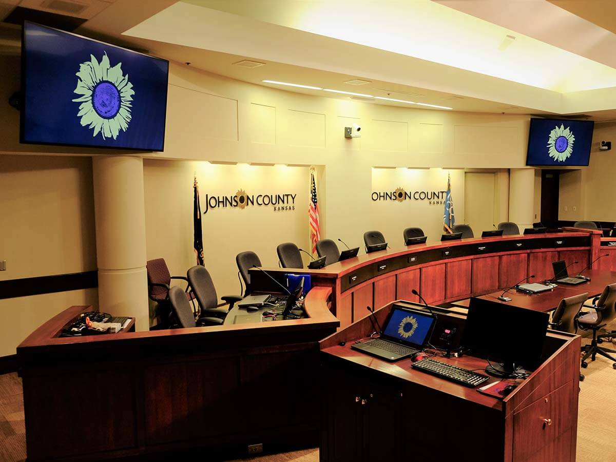county commissioners hearing room av system monitors
