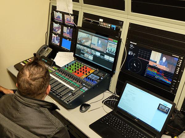 Tech running broadcast system